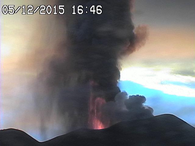 Lava fountain during Etna's 4th Voragine paroxysm
