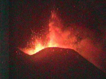 Pulsating lava fountains from two vents at the New SE crater