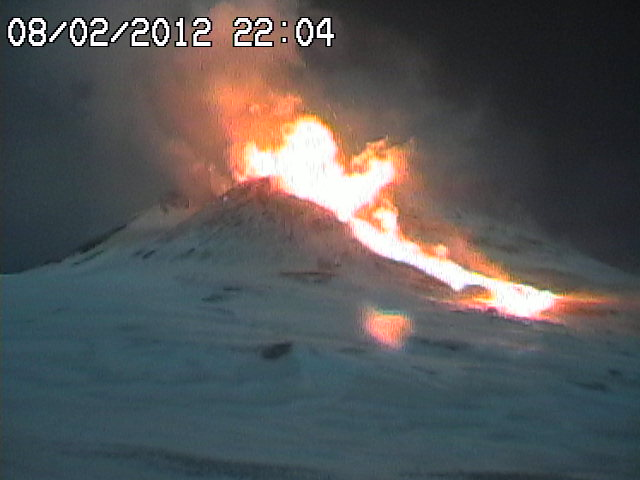 The advancing lava flow and vigorous explosions / low lava fountains probably from several vents