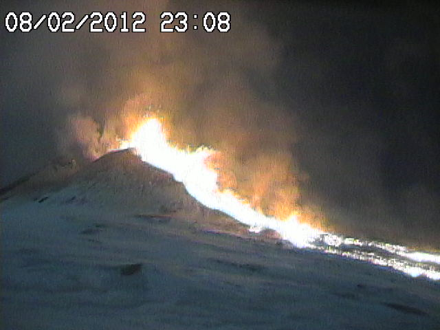 Starting lava fountains and the branched lava flow (radiostudio7.it webcam)
