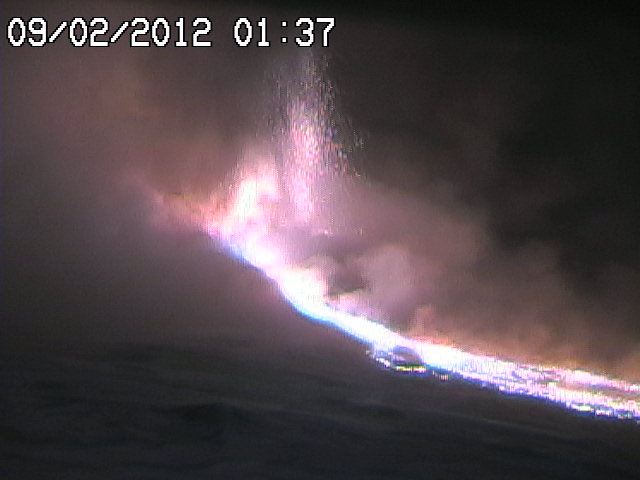 Lava fountains on the Belvedere webcam of radiostudio7.it