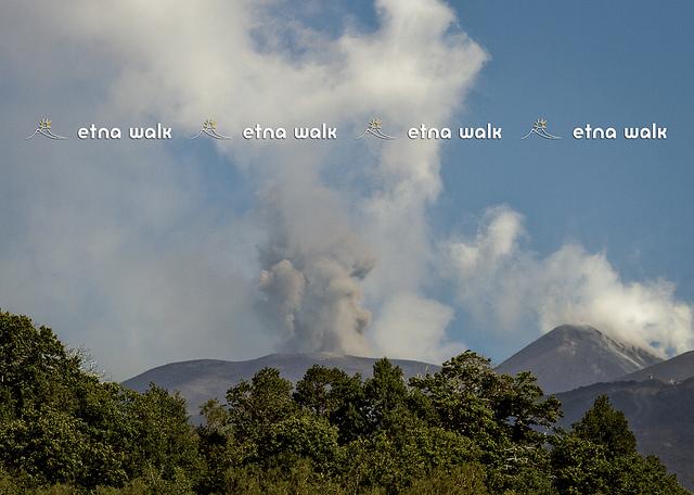 Ash emission from Bocca Nuova on 23 Aug 2012 (photo: Giuseppe Distefano / EtnaWalk.it)