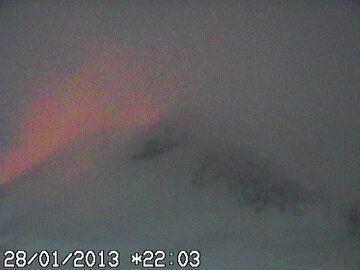 Glow from Bocca Nuova this evening (INGV webcam)