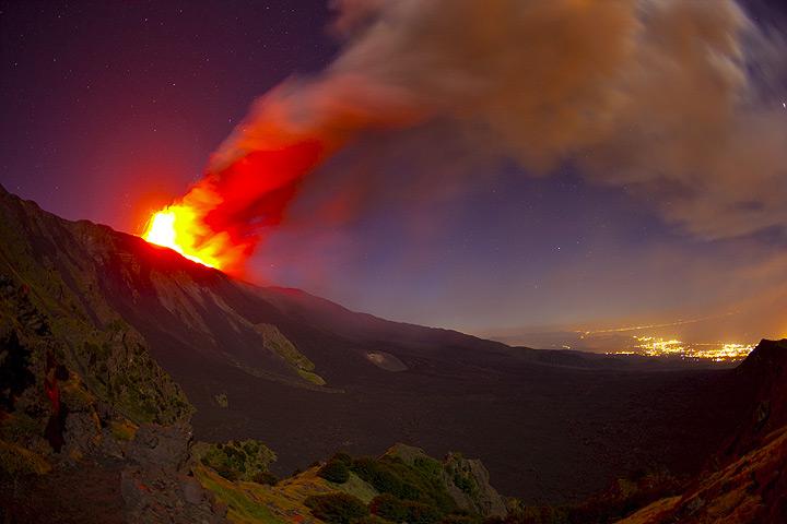 Eruption of Etna on 19 July 2011