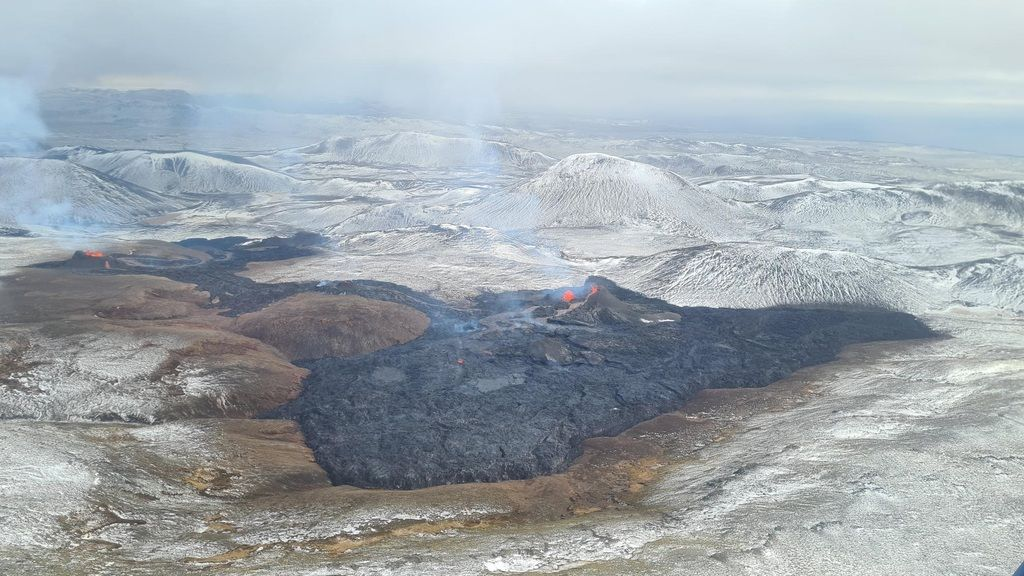 Aerial view of the all eruption sites (image: IMO)