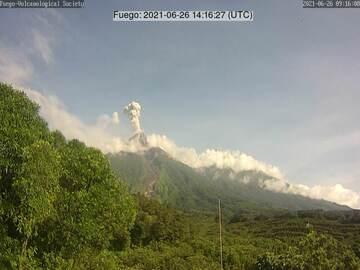 Ash plume from Fuego volcano on 26 June (image: Vulkanologische Gesellschaft)