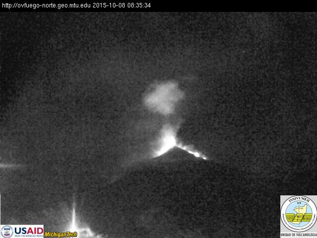 Lava fountaining at Fuego this morning