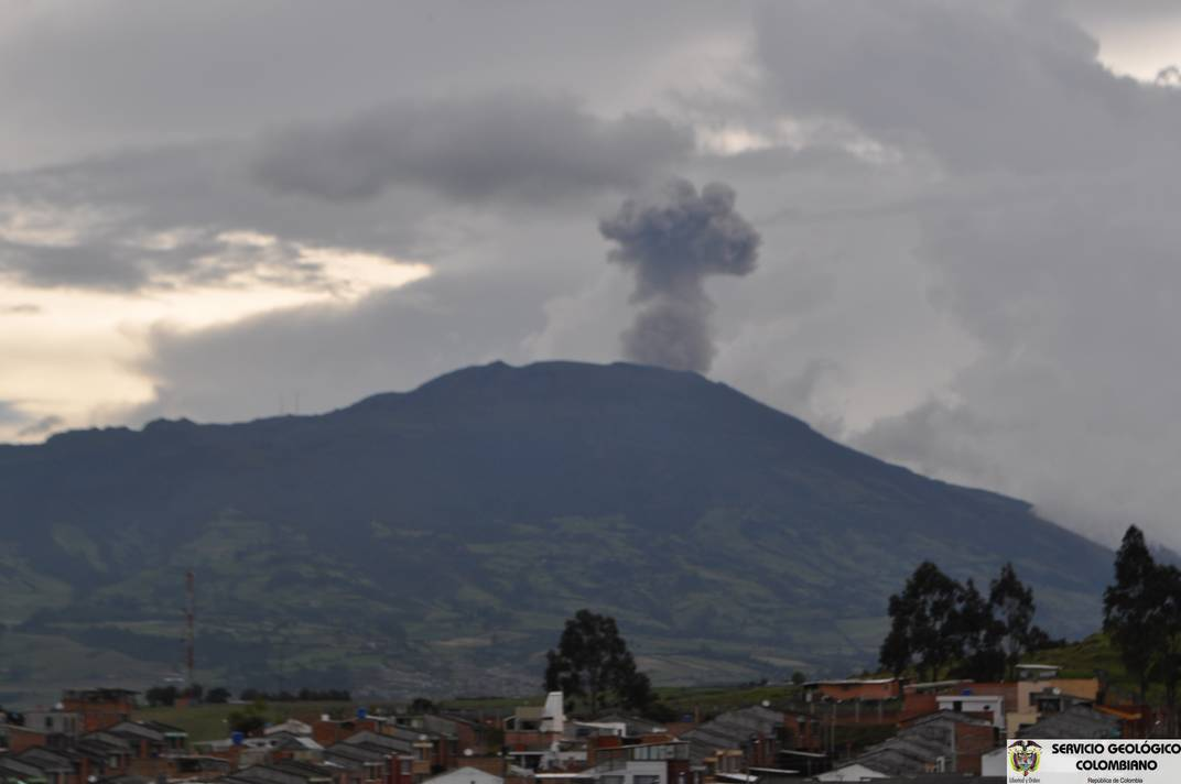 Ash emission from Galeras on 11 March 2013 (INGEOMINAS)