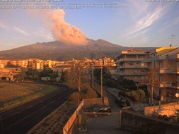 Ash plume this morning (comune Giarre - DPC)