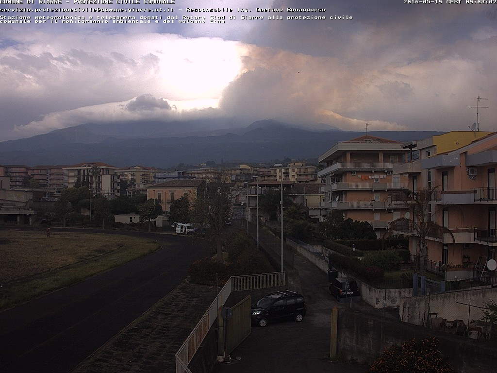 Ash plume from the second paroxysm drifting towards Giarre