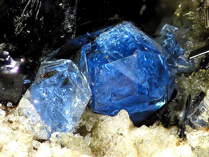 Hauyn crystals (photo Stefan Wolfsried)