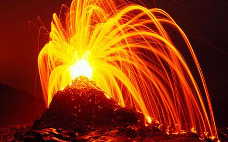 Eruption on Hawai'i (Photo: Tom Pfeiffer)