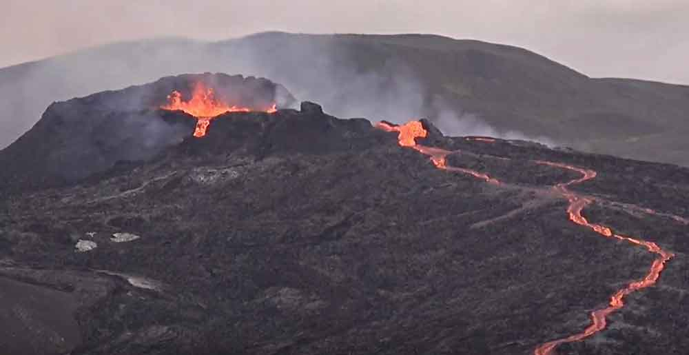 Eruption in Iceland this evening (image: RUV live webcam)