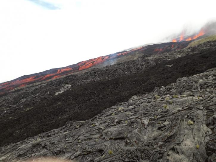 Lava fountains at Piton de la Fournaise volcano at 15:00 local time today (image: OVPF)