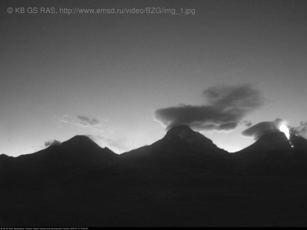 Trio of volcanoes (from l to r: Bezymianny, Kamen and erupting Klyuchevskoy) today (RAS webcam)