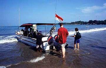 From Krakatau to Bali (Indonesia) tour, 18 Aug - 3 Sept 2005 photos