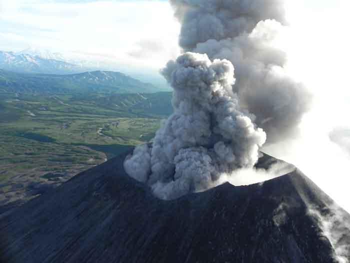 Ash eruption from Karymsky on 18 July 2017 (photo: Andrey Nikiforov)