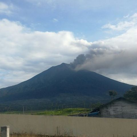 Ash plume from Kerinci volcano this morning (image: PGA Kerinci local volcano observatory)