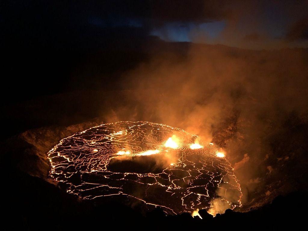 New lava lake in the summit crater of Kilauea volcano, Hawai'i (image: USGS)