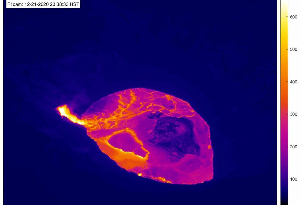 Thermal image from this morning showing the now single vent feeding the lake (image: HVO)