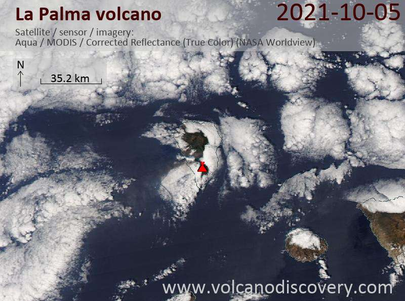 Satellite image of La Palma volcano on  5 Oct 2021