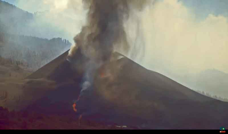 View of the crater around noon (image: Canarias TV livestream)