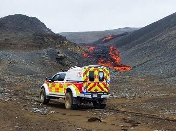 Flujo de lava de ayer en el volcán Fagradalsfjall (imagen: facebook.com/bjorgunarsveitinthorbjorn)