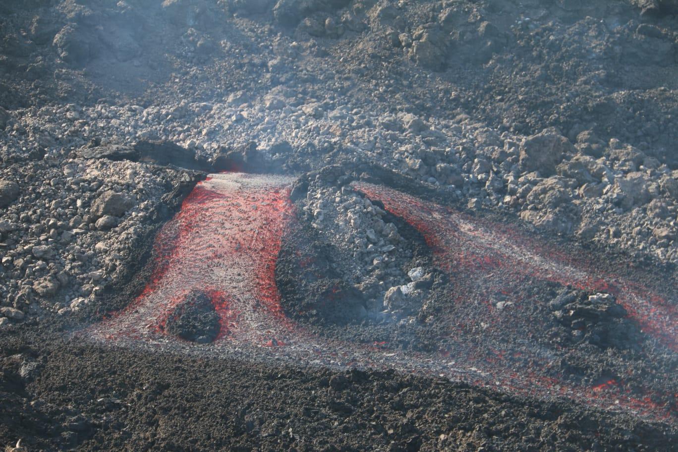 Lava tubes at Cumbre Vieja volcano (image: INVOLCAN)
