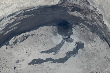 Zoom onto the active vent and a possible lava lake inside the crater of Lengai volcano (photo: Michael Dalton-Smith)
