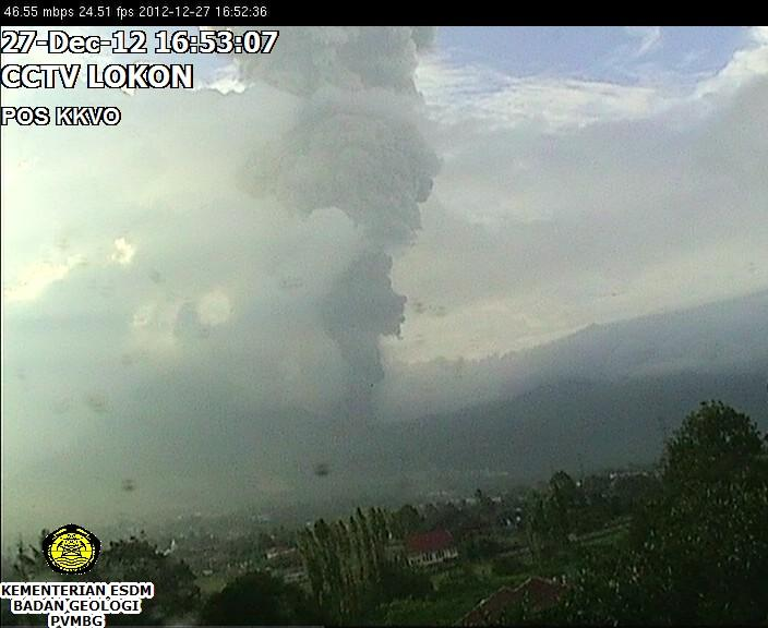 Explosie van Lokon vanochtend (GMT 9:50)