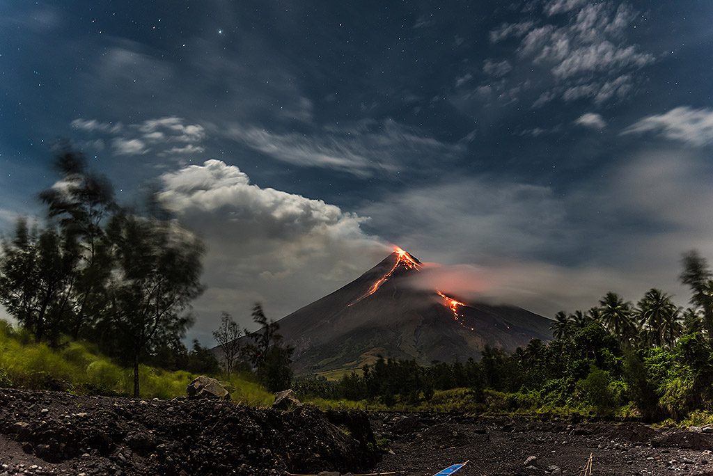 On an eruption special tour to Mayon volcano