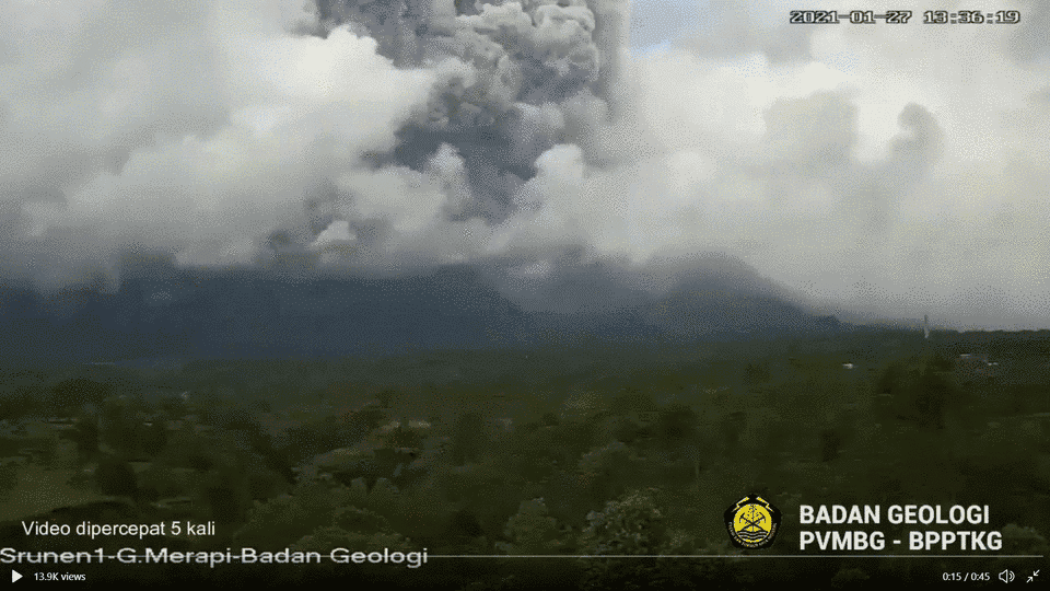 Massive pyroclastic flow at Merapi volcano today (image: @BPPTKG/twitter)