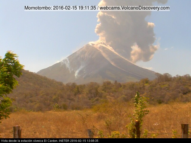 Eruption of Momotombo yesterday
