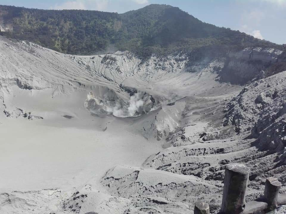 Fresh blanket of ash in the crater after last week's explosion. Credit: BNPB