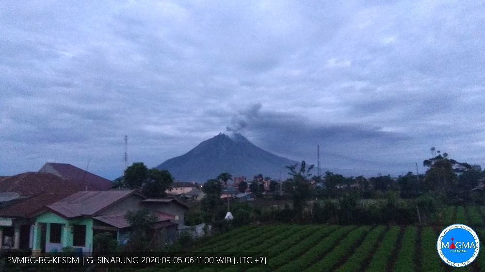 An eruption from Sinabung volcano on 5 September (image: PVMBG)