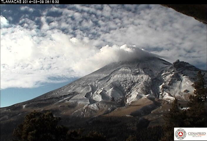 A small steam emission from Popocatépetl yesterday