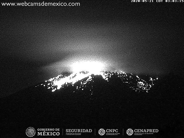 Incandescent material thrown from crater from Popocatépetl volcano (image: CENAPRED)