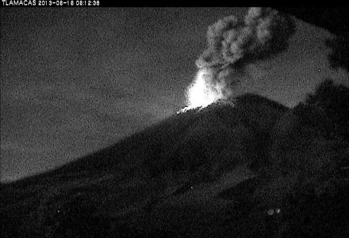 Uitbarsting van Popocatepetl gistermorgen