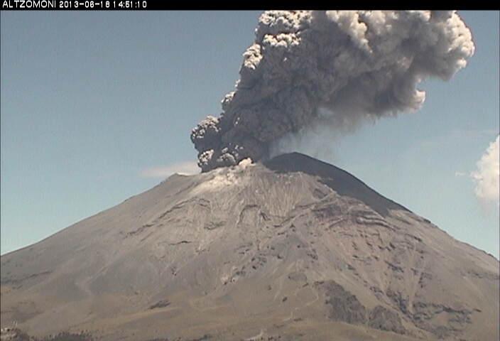 Uitbarsting van Popocatepetl vanmorgen