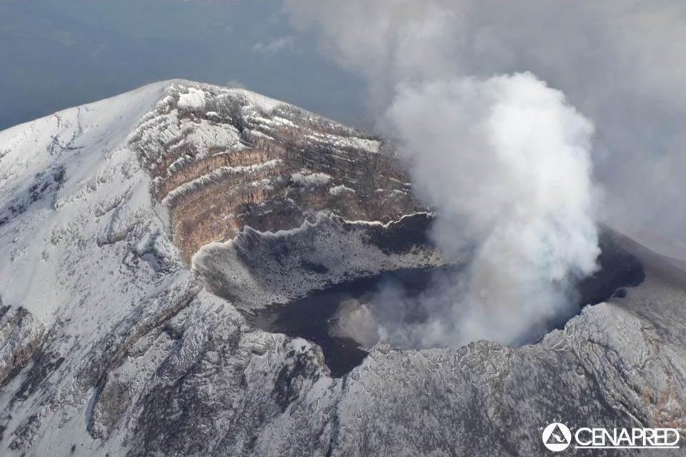 Luchtfoto van de krater van de Popocatepetl op 25 juni (CENAPRED)