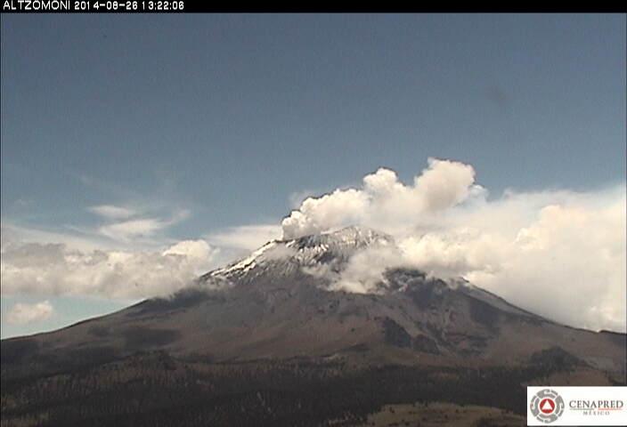 Steam plume from Popocatépetl yesterday