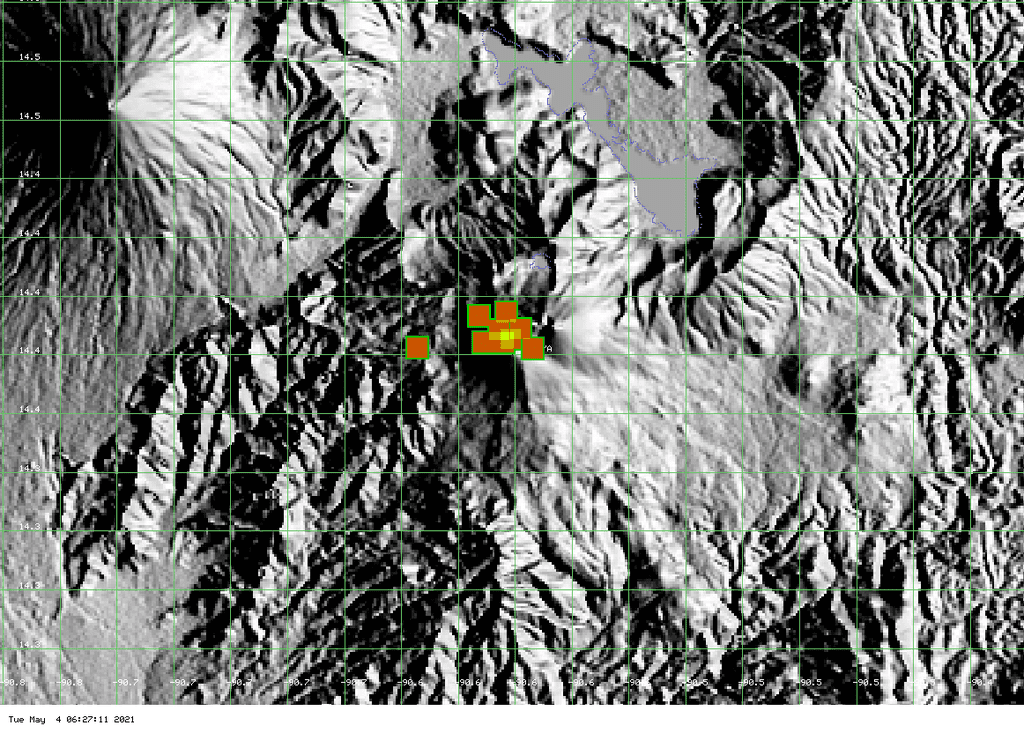 Hot spots on the SW flank of Pacaya showing the latest lava flows since 30 April 2021 (image: MODIS)