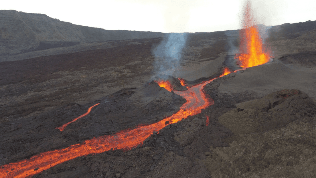 View of the ongoing eruption site at Piton de la Fournaise volcano (image: OVPF)
