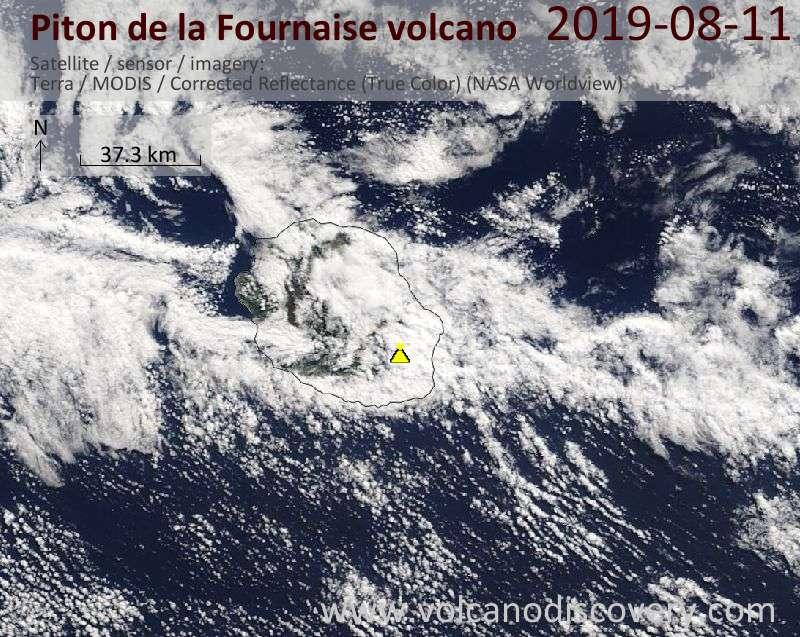 Спутниковое изображение вулкана Piton de la Fournaise 11 Aug 2019