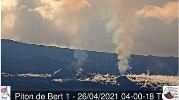 El sitio de la erupción actual en el volcán Piton de la Fournaise (imagen: OVPF)