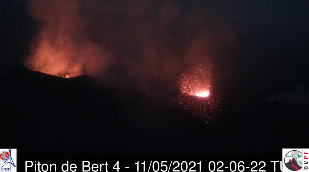 View of the active cones on Piton de la Fournaise volcano (image: OVPF)