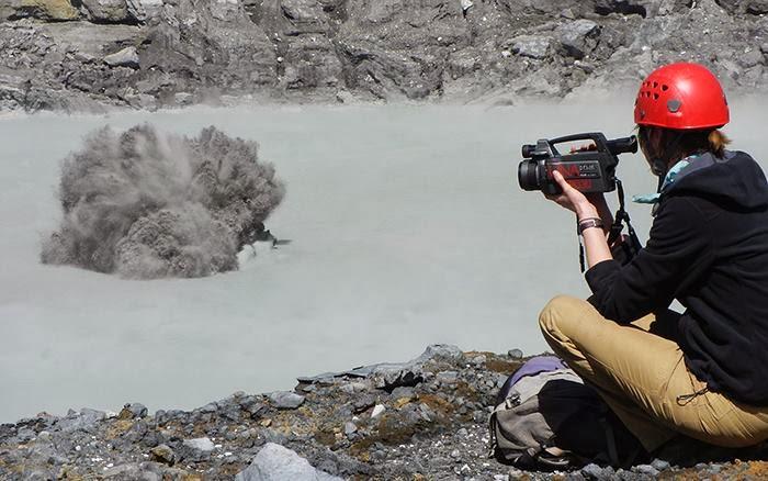 Kleine modder uitbarsting op Poás op 14 februari (beeld: OVSICOR-UNA via faceook)