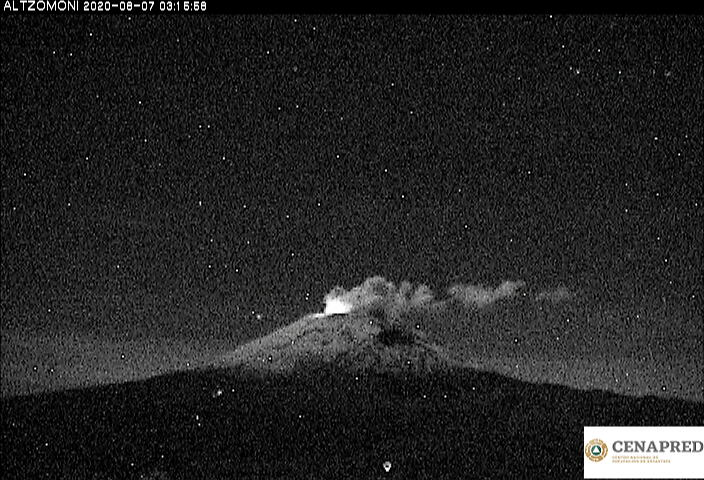 Glow and steam/ash emissions from Popo volcano this morning (image: CENAPRED webcam)