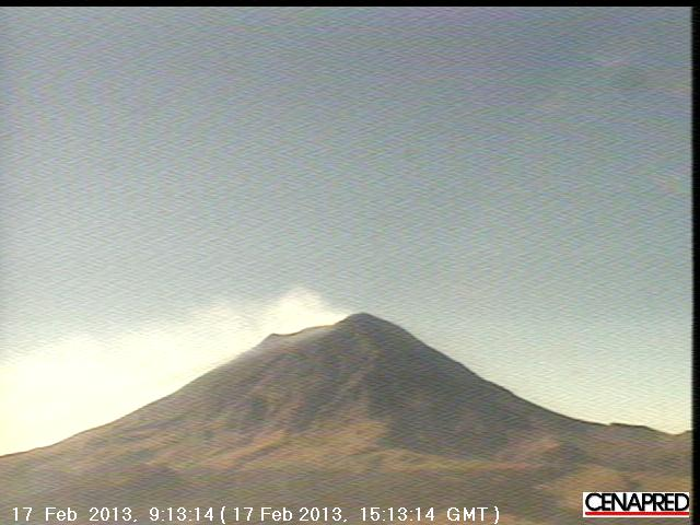 Degassing plume from Popo today