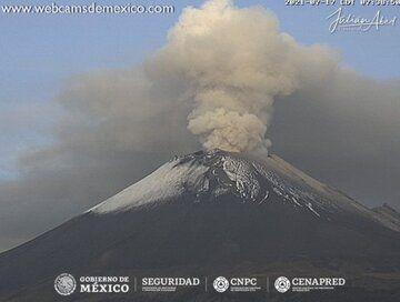 Ash eruption from Popocatépetl volcano on 17 July morning (image: CENAPRED)